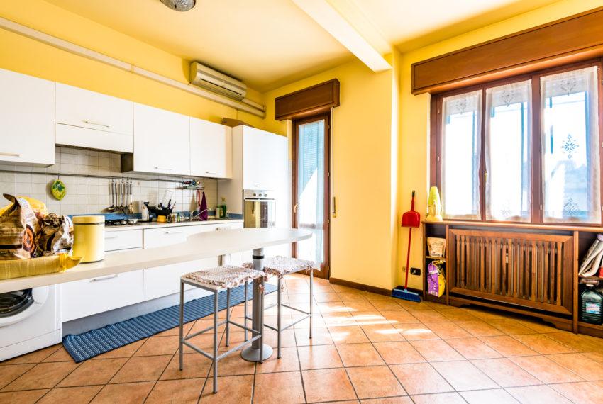 cucina abitabile Bergamo via Pescaria A054
