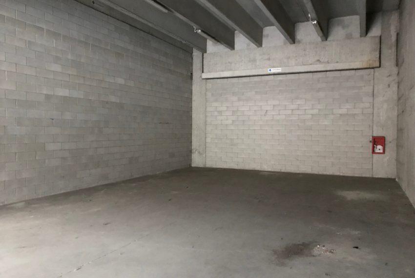 interno magazzino in vendita A065