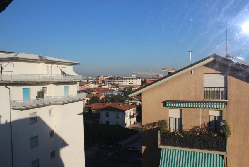 vista su Bergamo da mansarda A063