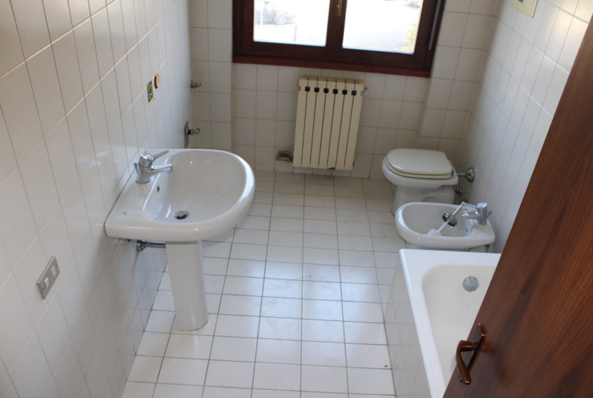 bagno con vasca M029