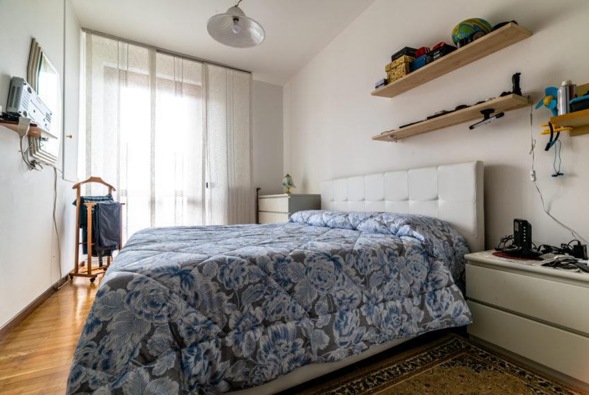 camera con balcone M042