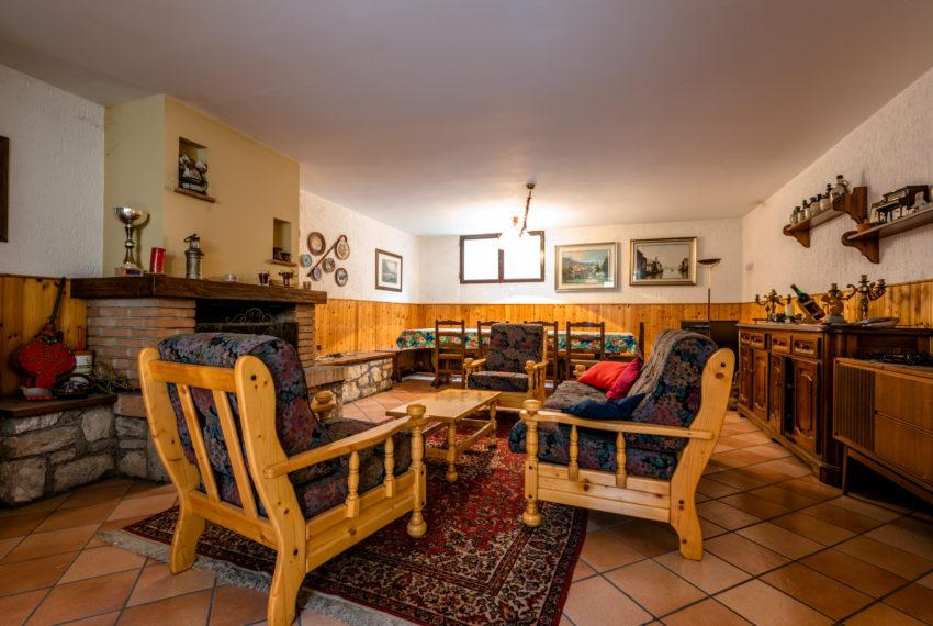 Taverna con cucina separata M044