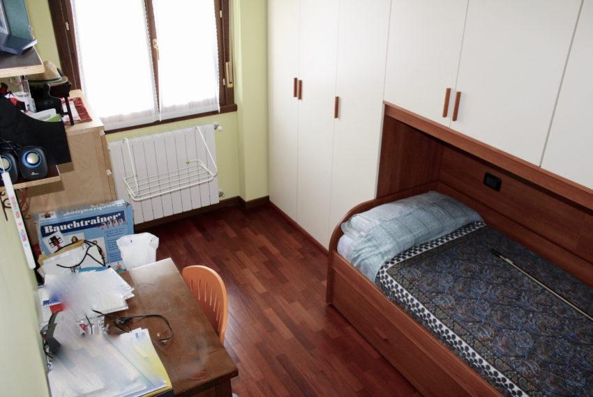 camera trilocale doppio bagno M043