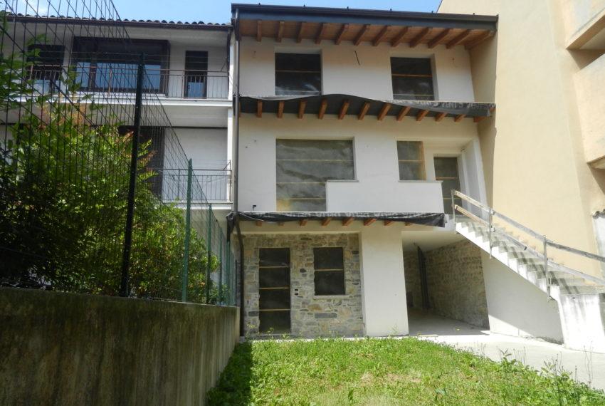 Nembro casa indipendente A019