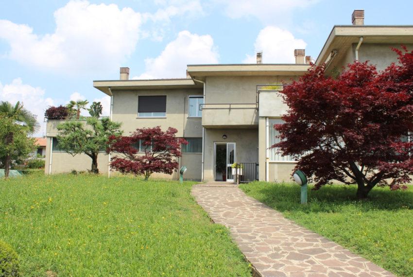 Villa bifamiliare azzano san paolo M046