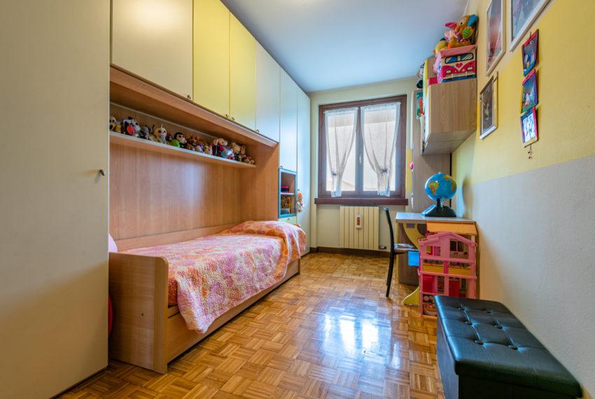 camera secondaria M063