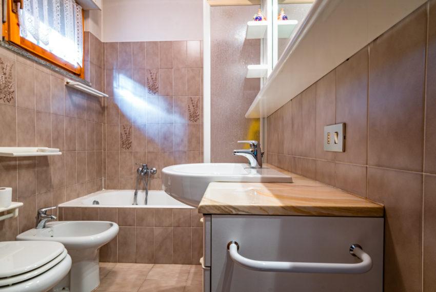 bagno appartamento alzano lombardo